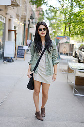 Trang Huyen - Toms Shades, Volcom Outerwear, Via Spiga Bag, Vintage Floral Dress, H&M Boots, Vintage Jewelry - New York Minute