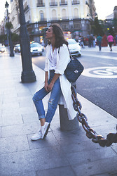 Carla Estévez - Zara Trench - White long trench