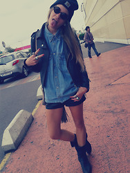 Fanny † Dead Can Wear - Vintage Shirt, Vintage Leather Perfecto, H&M Leather Short, Vintage Moto Boots - Supermarket! @fannydeadcanwear
