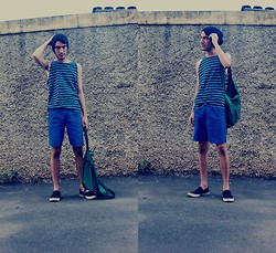 Hugo Leão - Green Bag, Converse All Star Slip On - You need to look back to see your back track