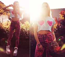 Jessica Christ - Redrock Not You Crop, Fizzen Jeans, Bad A*Ss Snapback - NOT YOU!