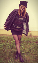 Justyna Ż. - Secondhand Jacket, H&M Kitty Hat - Shake Your Kitty