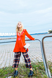 Elin H - Indiska Orange And Pink Embellished And Beaded Tunic, Zara Silk Pajamaish, Vintage Silver - So you can dance until the morning light