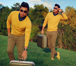 ALLEN M - Vintage Luggage, Topman Skinny Chinos, G2000 Sweater, Springfield Stripes Socks, H&M Suede Shoes - AUTUMN // ALLENation