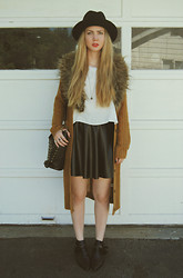 Stacey Belko - Gypsy Junkies Sweater, Forever 21 Skirt - Fall transitions.