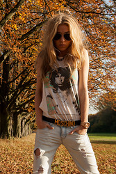 Alexandra F - Ray Ban Sunnies, H&M Shirt, Moschino Belt, Michael Kors Watch, Zara Jeans - Moschino meets Jim