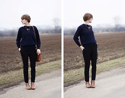 Kristina H. - Vintage Sweater, Camaieu Trousers - One Day