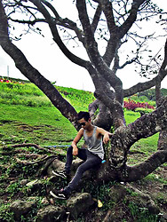 Rald Navarro - Oxygen Grey Sando, Oxygen Acid Wash, Tom Fo Dark Vintage Shades - THE LONELY TREE MAN