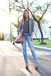 Luisa Accorsi - J.Crew Cardigan, Abercrombie & Fitch Jeans, Fendi Bag, Prada Shoes - Mixing Prints