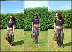 Nicola McLaughlin - Primark Necklace, River Island Harem Trousers, Misguided.Co.Uk Sunglasses, Louis Vuitton Handbag, Hermës Bracelet - Snake in the grass