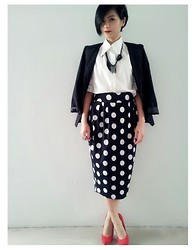 Ei Leen Khoo - Black Blazer, White Shirt, Haji Lane Singapore Dotted Skirt, New Look Red Heels, Mphosis Knotted Necklace - Black Widow