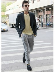 Juanjose Rangel - Zara Navy Blazer, Calvin Klein Suede Dress Shoes, United Colors Of Benetton Grey Skinny Chinos, Forever 21 Two Tones Yellow Tee - T-shirt and Blazer - Street Style NYFW