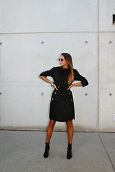 Q.F. Z - Katrin Kafka Trenchcoat, Katrn Kafka Dress, Miu Sunglasses, H&M Booties - MQ VIENNA FASHION WEEK LOOK 1