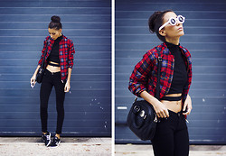 Sofia Reis - Choies Jacket, Frontrowshop Top, Adidas Sneakers, Zerouv Sunnies - Such a Hurricane