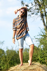 Pierre Caillou - Zara Scarf As A Hairband, H&M Transparent Sunglasses, Pierre Cardin Old Shirt, Levi's® Diy Short - The fields
