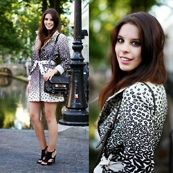 Mary G. - Desigual Coat, Proenza Schouler Bag - Leopard Kiss