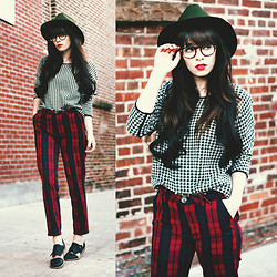Rachel-Marie Iwanyszyn - Hat, Otte Nyc Houndstooth Jumper, Crossroads Trading Plaid Pants, Warby Parker Eyeglasses, Minimarket Cut Out Oxfords - STARTED FROM THE BOTTOM.