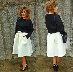 Cátia Barge - Zara Sweater, H&M Skirt, H&M Belt, Bimba&Lola Bag, Zara Shoes - White Winter