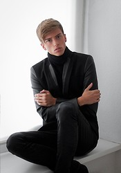 Georg Mallner - Zara Blazer, Hugo Boss Pants, H&M Cardigan - October 1, 2013
