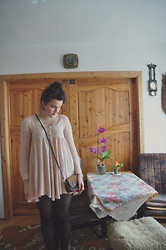 anaïs ▲ - Second Hand Dress, Vintage Bag, Grandma's Flowers -  no place for promises here.
