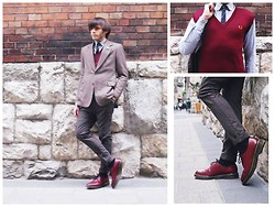 Post-Puŋk L0v3R - Vintage Blazer, Ben Sherman Oxford Style Shirt Like 60's, Fred Perry Vintage & Rare Oxblood Vest, Rocha John Suit Center Crease Pants, Dr. Martens Vintage Dr 1461 Shoes - MODshroom