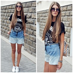 Yulia Sidorenko - Blue Sar Vintage Denim Shorts, Advan White Sneakers, Atmospere Backpack - Ramones & Denim