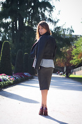 Lucita Y - Zara Pencil Skirt - LIKE A PENCIL
