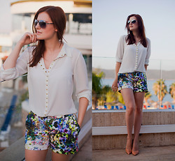 Viktoriya Sener - Mango Blouse, Herry Printed Shorts, Zara Nude Pumps, Mango Sunglasses - SEA BREEZE