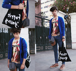 Ayoub Mani - Necklass Jutebeutel, Bag, Pull & Bear Cardigant And, Tshirt Prayforparis, Shoes Lefties - FOREVER YOUNG !
