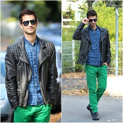 Alex M - All Saints Vintage Biker Leather Jacket, Jack&Jones Green Chinos, Jack&Jones Ethno Shirt - Things we lost in the fire