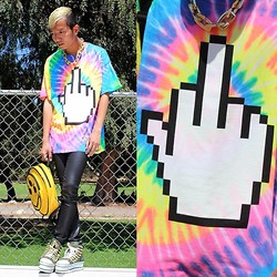 King Htut - Jacvanek F U Tee, Unif The 6 Eyes Backpack, Yru Elevation Camo - Rose-bowl Sundays