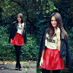 Sasha Shcherbakova - Vancl Skirt - A Pop of Red