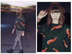 Maria Joanna - The Orphan's Arms Fox Sweater, H&M Jeans, Dr. Martens Boots - What does the FOX say?