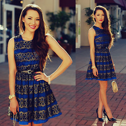 Jessica R. - Feeluxury Blue Dress, Anteprima Woven Clutch - Blue Brocade