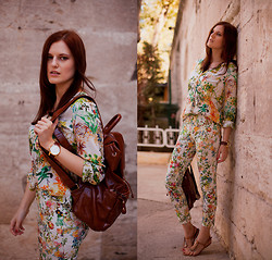 Viktoriya Sener - Zara Floral Print Shirt, Zara Floral Print Pants, Yargici Backpack, Hotic Sandals - OLD CITY TOUR