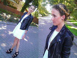 Anna Chorzelewska - H&M Leather Jacket, New Look Dress - Delilah - Inside my love (Redlight Remix)