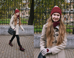 Paulina Andreeva - Accessorize Hat, H&M Scarf, United Colors Of Benetton Coat, Zara Bag, H&M Trousers, H&M Boots - Baby, it's cold outside!