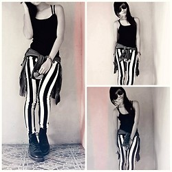 Yanna Dee - Thrifted Striped Leggings, Dr. Martens Black Shoes - Lazy Sunday