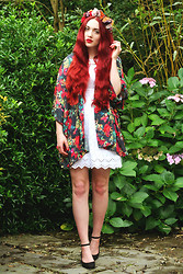 Megan McMinn - Love Kimono, Warehouse Dress, New Look Shoes - Balmy Autumn.