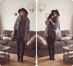 Vicky DISCOMETOOBLIVION - Forever 21 Cardigan, Vintage Bag, All Saints Tassle Boots - Call me lavender, call me sunshine