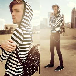Elliott Alexzander - H&M Hooded Sweater, Romwe Polka Dot Bag, Slim Fit Pants, Guess? Shoes - You have to earn your stripes.