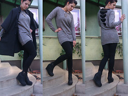 Riti D-Z. - Second Hand Grey Cape, Second Hand Cosy Jumper, Zara Leggings, Wedges - The sky will fall but I don't care
