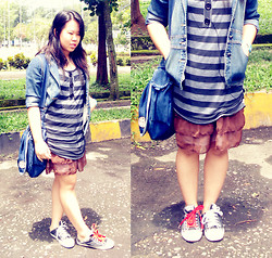 Dresiani Mareti - Converse Warrior Sneakers, Point One Denim Blazer, Kipling Denim Sling Bag, Stripes Tee - Layered