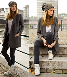Catherine V. - Beanie, Asos Headband Added On The Beanie, Grey Coat, Loose T Shirt, Grey Skinny Jeans, Converse - Grey on grey on grey.