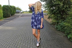 Charmaine Cowland - Choies Paisley Dress, Topshop Satin Loafers - 091013