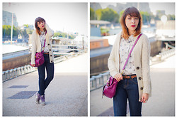 Jessica D - Zara Cardigan, Levi's® Jeans, Mulberry Bag, Nike Sneakers - Back to fall in Paris !