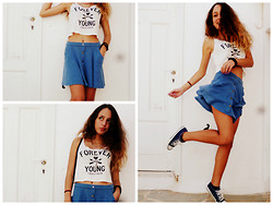 S.t.e.f.f.i.e - Bershka Navy Blue Skirt, Bershka Forever Young Shirt, All Star Navy Blue - Navy blue teen look