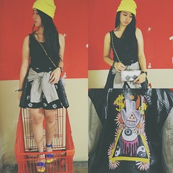 Kimberly Chrisya - @Clutchtheclutch Clear Clutch, H&M Neon Beanie, H&M Eyes Skirt, H&M Illuminati Jacket - You'll never too old