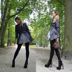 Anna Chorzelewska - H&M Skirt, Deezee Boots - FKJ - Lying Together