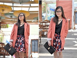 Stevia Indrawan - Forever 21 Pink Oversized, Persun Retro Larger Flower - Step Into The Dark Garden